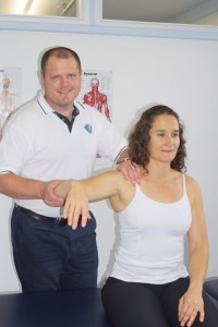 physio-adam-shoulder